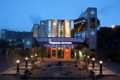 Die Spielbank Hohensyburg in Deutschland gilt als die größte Spielbank des Landes. Mit 360 Spielautomaten und 24 Spieltischen auf 13.00 qm Spielfläche ist die Spielbank vor allem bei Spielern besonders beliebt. An den Wochenenden kommen bis zu 1500 Besucher in das Casino Hohensyburg. Glücksspiel ist ab 18 Jahren erlaubt.  Taff gibt Einblicke in das Spielgeschehen der größten Spielbank Deutschlands
