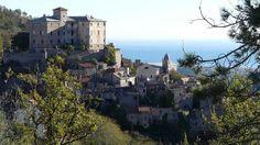 Drone maakt beelden van Italiaanse spookstad Balestrino