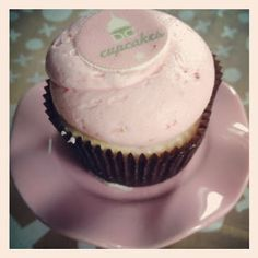 @Georgetown Cupcake Strawberry Cheesecake Cupcake
