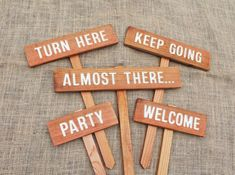 Party signs, destination signs, location signs, turn here, directional signs … Wedding Games Signs, Wedding Direction Signs, Party Signs, Wedding Table Centerpieces, Wedding Decorations, Party Planning, Wedding Planning, Wedding Directions, Directional Signs