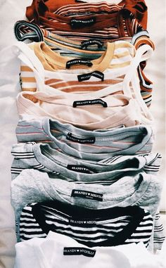 69 Cute Outfits To Wear This Spring inspo 57 Charming Spring Work Outfits To Wear To The Office Brandy Melville Outfits, Tenues Brandy Melville, Spring Outfit Women, Spring Work Outfits, Winter Outfits, Fashion 90s, Teen Fashion Outfits, Fashion Women, Fashion Online