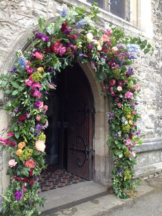 New Ideas Wedding Ceremony Flowers Arrangements Floral Arch Church Wedding Flowers, Church Wedding Decorations, Wedding Entrance, Wedding Ceremony Flowers, Wedding Scene, Floral Wedding, Table Wedding, Party Wedding, Light Wedding