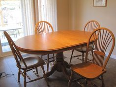 Solid Oak Mennonite Table and 4 Chairs