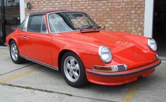 1972 Porsche 911T 2.4 Targa - Estimate (£): 38,000 - 40,000