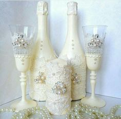 Discover thousands of images about Wedding champange Wedding Champagne Flutes, Wedding Bottles, Wedding Glasses, Wine Bottle Design, Wine Bottle Art, Wine Bottle Crafts, Bride And Groom Glasses, Decorated Wine Glasses, Recycled Glass Bottles