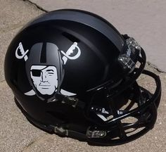 Oakland Raiders Wallpapers, Nfl Raiders, Oakland Raiders Football, Nfl Football Helmets, Football Memes, Football Stuff, Raiders Stuff, Raiders Girl, Raiders Helmet