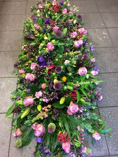 specialiteit , rouwbloemen en bruidswerk Large Flower Arrangements, Funeral Flower Arrangements, Funeral Flowers, Beautiful Bouquet Of Flowers, Wedding Flowers, Casket Flowers, Funeral Caskets, Casket Sprays, Funeral Tributes