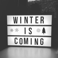 I'm back! • #lightbox #homedeco #deco #diy #doityourself #mood #homemade #home #lumiere #lampe #design #light #message #humor #makeup #quotes #instaquotes #qotd #winteriscoming