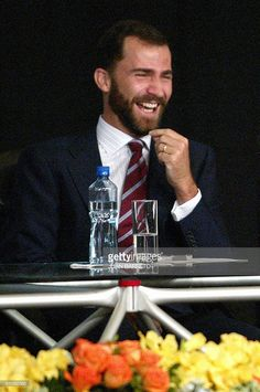 Spain's Prince Felipe laughs during the opening of the XV Congress of the Hispanist International Association in Monterrey, north of Mexico, 19 July Prince Felipe and his wife Letizia are in Mexico in a four-day private visit. Princess Letizia, Queen Letizia, Bourbon, Spanish Royalty, Royal Queen, Visit Mexico, Prince Philip, Queen Victoria, Beards