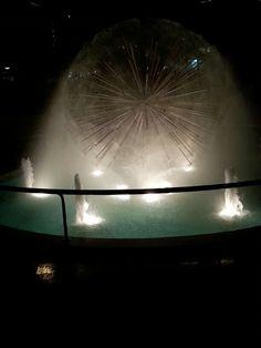 Fontana con globo acqueo.