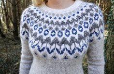 Riddari in merino Knitting Paterns, Fair Isle Knitting Patterns, Knit Patterns, Beginner Knitting Projects, Knitting For Kids, Knitting For Beginners, Icelandic Sweaters, Wool Sweaters, Sweater Design