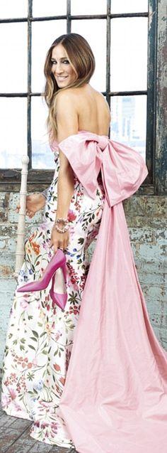 Sarah Jessica Parker in Oscar de la Renta - Harper's Bazaar Arabia #styleadviseme