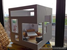 Modern Mini Houses new 1:24 scale miniatures by minimodernistas.com