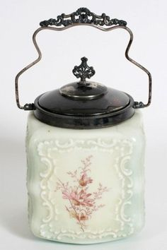 Wavecrest Square Biscuit Jar : Lot 122