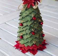 amish quilted  christmas ornament souvenirs | Welcome to the Christmas in July, Home Décor Edition