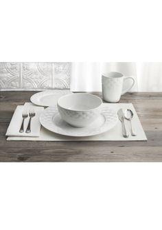 AMERICAN ATELIER 16-Piece Picnic Weave Dinner Set | ideel