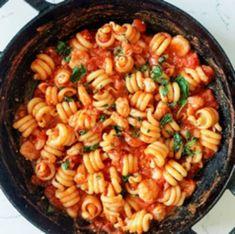 Recetas, recetas faciles, macarrones, espagueti, carbonara, ravioli, pasta carbonara, fetuccini, macarrones con queso, ravioles, fideo, tallarines, espaguetis a la carbonara, espaguetis carbonara, pasta al pesto, raviolis, espagueti a la boloñesa todo lo que debes conocer. Pasta Al Pesto, Pasta Carbonara, Shrimp Marinara, Marinara Sauce, Shrimp Pasta, Easy Pasta Recipes, Sauce Recipes, Healthy Recipes, Healthy Foods