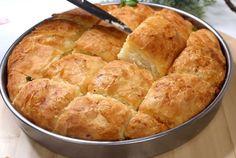 τυροψωμο0 Spanakopita, Sweet And Salty, Greek Recipes, Fajitas, Cornbread, Chicken Recipes, Brunch, Food And Drink, Cooking Recipes