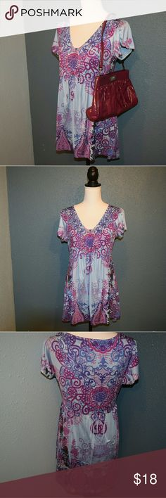 Live And Let Live Purple Blue Top This beauty is in great condition. Made up of cotton polly. Size medium Live And Let Live Tops Tunics