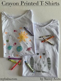 Decorating T-shirts is such a great summer activity for children. These crayon printed t-shirts are a fun way to give a new lease of life to an old t-shirt. Diy T Shirt Printing, T Shirt Diy, Printed Shirts, Crayon Drawings, Crayon Art, Diy Crayons, Melting Crayons, Decorating Shirts, Diy For Kids
