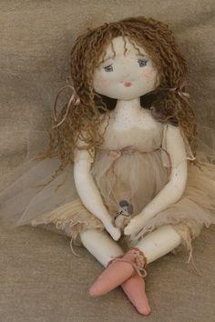 charlotte avait une petite soeur elle s'appelle Jeanne..(35cm) - Le Jardin des Farfalous
