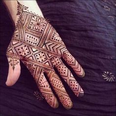 Mehandi or Henna is considered as sacred on every occasion especially functions such as bridal mehndi design. Given List of 50 + Mehndi designs that you can't ignore to look at them. New Mehndi Designs 2018, Mehndi Art Designs, Simple Mehndi Designs, Mehndi Designs For Hands, Henna Designs For Men, Modern Henna Designs, Hand Tattoos, Tattoo Henna, Small Tattoos