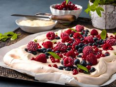 Frisk, Pavlova, Panna Cotta, Raspberry, Ethnic Recipes, Sweet, Food, Cakes, Raspberries