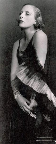 Tamara de Lempicka, aka Maria Górska - 1929 - Dress by Marcel Rochas - Photo by Dora Kallmus, Studio d'Ora, Paris