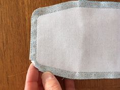 cmoikikou: Porte-monnaie à soufflets / Tuto réalisation (patron Burda créatif n° 56) Wallet, Sewing, Projects, Cool Ideas, Scrappy Quilts, Trousers, Sewing Patterns Free, Haute Couture, Fabric Wallet