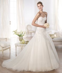 Vestidos de novia de la colección Glamour 2015 - Pronovias