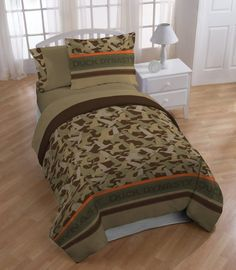 Marvelous Camouflage Bedroom Interior Decoration  Ideas With White Single Bed Using Camouflage Bedding