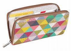 #purse #triangle by #MiniLabo from www.kidsdinge.com https://www.facebook.com/pages/kidsdingecom-Origineel-speelgoed-hebbedingen-voor-hippe-kids/160122710686387?sk=wall #kidsdinge #speelgoed #toys