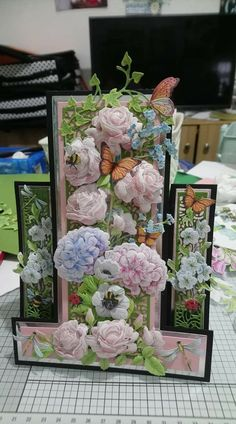 Looks like Tattered Lace is responsible for this masterpiece Pressed Roses, Stepper Cards, Tattered Lace Cards, Tri Fold Cards, Shabby Chic Cards, Easel Cards, Create And Craft, Lace Flowers, Cardmaking