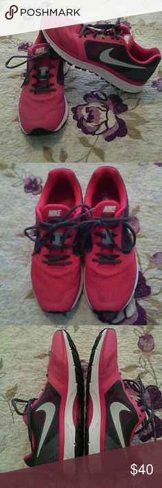 Like New Women's Nike Zoom Sneakers Sz 10 Like New Women's Nike Zoom Sneakers Sz 10. These are in AMAZING, EXCELLENT CONDITION!!! I only wore them twice & kept them in mint condition. I just have way, too many sneakers so looking to sell these. They are pink, dark gray & white. Nike Shoes Sneakers
