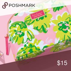 """New Lilly Pulitzer for Estée Lauder Makeup Pouch From 2014 campaign - still has protective coating on zipper pull. 10"""" x 7"""" x 3"""" Lilly Pulitzer Bags Cosmetic Bags & Cases"""