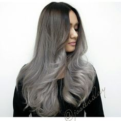 Suggestions with regard to amazing looking women's hair. Your hair is precisely what can easily define you as an individual. To the majority of people today it is certainly vital to have a really good hair do. Hair and beauty. Silver Ombre Hair, Gray Ombre, Gray Hair, Ash Grey, Black Hair, Hair Color Images, Natural Hair Styles, Long Hair Styles, Pretty Hairstyles