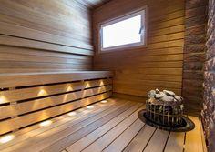 Saunan sisustus muuntuu helposti ilmeikkääksi mielenkiintoisilla materiaaleilla, modernilla muotoilulla ja tunnelmallisella valaistuksella. Lue Meidän Talon vinkit!