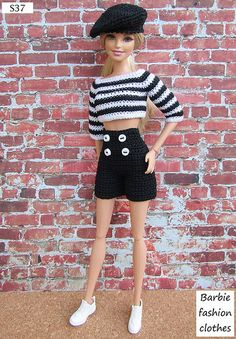 Irresistible Crochet a Doll Ideas. Radiant Crochet a Doll Ideas. Barbie Clothes Patterns, Crochet Barbie Clothes, Doll Clothes Barbie, Barbie Dress, Barbie Doll, Barbie Fashionista, Accessoires Barbie, Barbie Knitting Patterns, Crochet Doll Dress