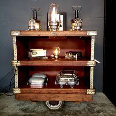 http://anciellitude.fr/wp-content/uploads/2017/06/MEUBLE-SUROY-1.jpg - petit meuble Suroy - http://anciellitude.fr/petit-meuble-suroy/ - #meuble #furniture #architecture #mobilierindustriel #old #ancien #interiors #industrial #design #deco #vintage #suroy #baladeuses #luminaire #lighting #oldlamp #walllamp #applique #beauverre #lampe #lamp #anciellitude #pucesdesaintouen #parisfleamarket #marchepaulbert #paulbertserpette #allee1 #paris