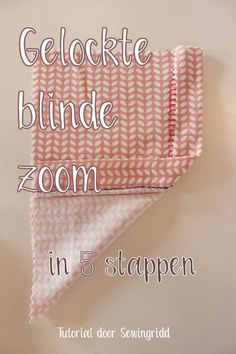 Tutorial – A serged blind hem in just 5 steps – Sewingridd Sewing Hacks, Sewing Tutorials, Sewing Projects, Sewing Tips, Flat Felled Seam, Little Stitch, Sewing Techniques, Blinds, Free Pattern