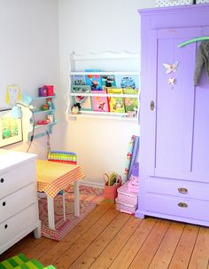 book shelf idea for abby