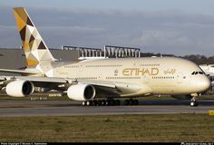 Etihad Airways unveils Airbus from Abu Dhabi to Paris Charles De Gaulle Toulouse, Trains, Jet Airways, Airline Reservations, Airbus A380, Civil Aviation, Commercial Aircraft, Aircraft Pictures, Summer Travel
