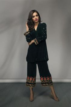 Trendy Trouser Designs 2020 In Pakistan Pakistani Wedding Outfits, Pakistani Dresses Casual, Pakistani Dress Design, Indian Dresses, Indian Outfits, Casual Dresses, Fashion Dresses, Wedding Attire, Velvet Dress Designs