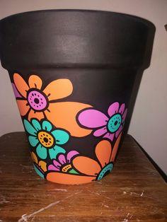 Macetas Flower Pot Art, Flower Pot Design, Clay Flower Pots, Flower Pot Crafts, Clay Pots, Painted Plant Pots, Painted Flower Pots, Clay Pot Projects, Clay Pot Crafts