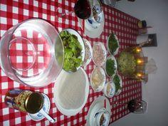 Vietnamese salade en BÁNH TRÁNG CUỘN - Banh Trang Coun is een Vietnamese KOUDE loempia .. licht voor de maag en heerlijk en gezellig maaltijd! Smakelijke groet, Tammy Wong - Kokenmetspecerijen