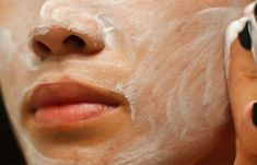 How to Clean Clogged Pores. If you're struggling with acne, you may have dirt, oil, or other grime trapped in your pores. While the actual size and appearance of your pores are genetic and can't be changed, there are a few ways deep-clean. Clogged Pores, Acne Face Mask, Face Skin, Chemisches Peeling, Beauty Base, Face Cream For Wrinkles, Clean Pores, Homemade Face Masks, Recipes