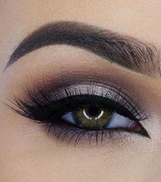 20 idées de maquillages pour sublimer les yeux marrons : blanc irisé