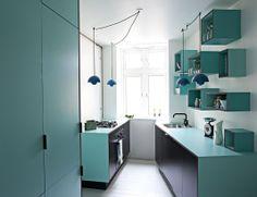 Køkken i sort MDF med søgrøn laminat #indretning #interior #furniture #design #snedkeri #handmade #kitchen #karstenk #rum4 www.rum4.dk