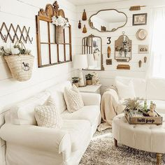 Photo by Wendy in Charlotte, North Carolina with @homedepot, @betterhomesandgardens, @thecottagejournal, @decorsteals, @antiquefarmhouse, @cottagesandbungalows, @americanfarmhousestyle, @hudsonvalleylighting, @primitivepatchpa, and @countrysamplerfarmhousestyle. May be an image of living room. #Regram via @www.instagram.com/p/CM7AqeUlL1Y/ Vintage Farmhouse, Farmhouse Decor, How To Make Diy, Home Depot, Vintage Looks, Dollar Stores, North Carolina, Diy Home Decor, Charlotte
