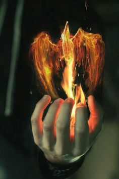 Image discovered by ️. Find images and videos about gorgeous, hand and fire on We Heart It - the app to get lost in what you love. Foto Fantasy, Fantasy World, Dark Fantasy, Fantasy Art, Story Inspiration, Writing Inspiration, Character Inspiration, Book Aesthetic, Character Aesthetic